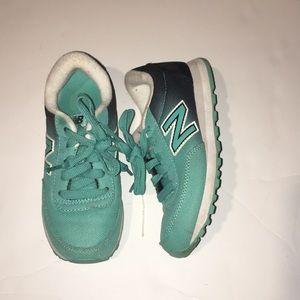 Used New Balance Turquoise Girls Shoes Size 13